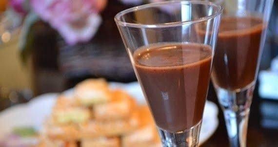 licor-de-chocolate-6256339-9710778-8542446