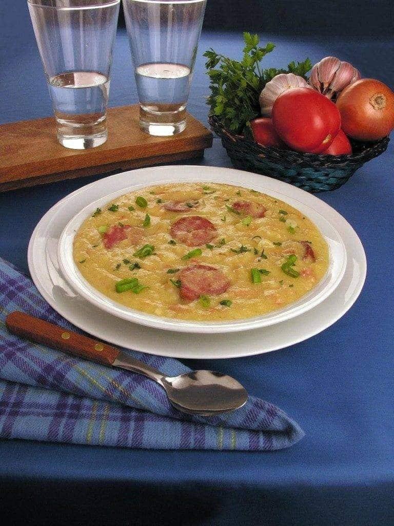 sopa-de-fuba-com-linguica-3873049-9021372-7473900