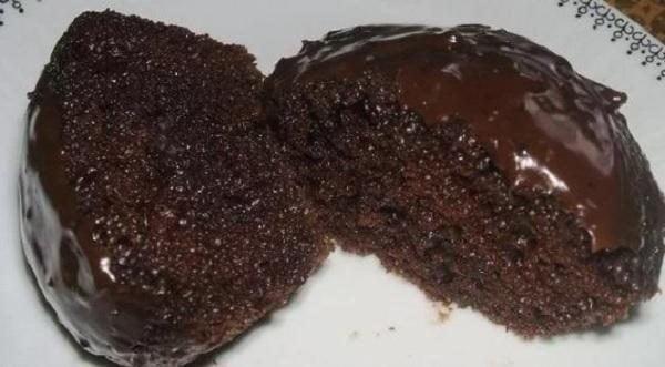 bolo-de-chocolate-de-liquidificador-molhadinho-2737581-3827720-1432728