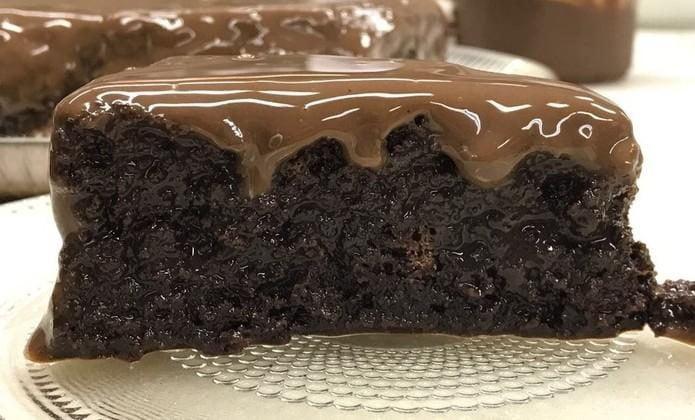 bolo-molhadinho-de-chocolate-sobremesa-natal-6586507-8099814-3137146