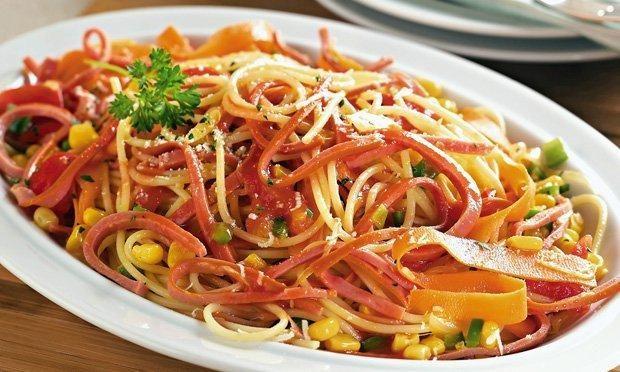 receita-macarrao-com-salsicha-de-frango1-2262075-7178042-3801301