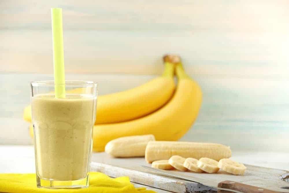 vitamina_de_banana_com_aveia2-9700793-7459236-6154978