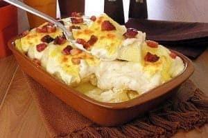 mandioca-forno-gratinada-bacon-300x200-8728273-4726122-4806708