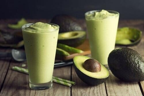vitamina-de-abacate-3859543-6038830-1583400