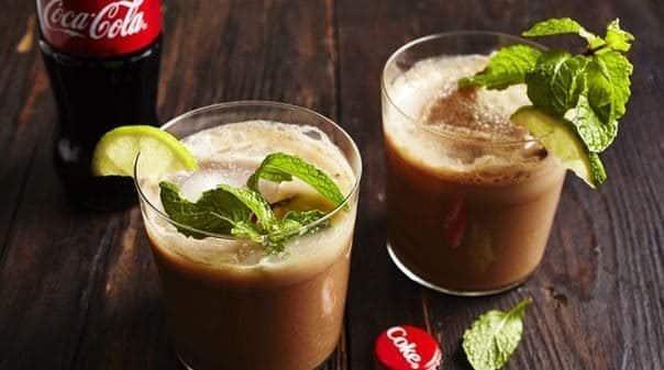 drink-com-coca-cola-9823118-2094233-2961078